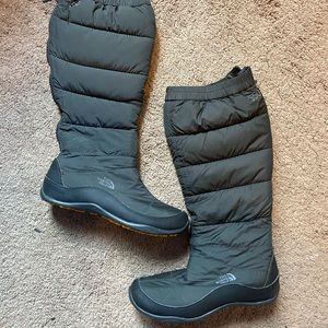The North Face 550 Winter Snow Boots